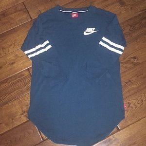 Nike 3/4 sleeve crew neck shirt medium